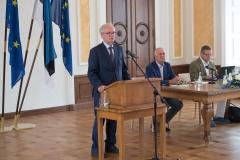 Riigikogu spiiker E. Nestori tervitab üldkoosolekut